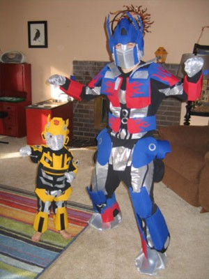 She made him (and his Daddy!) these awesome Transformer costumes. sugarbeth used various colors of polyester ponte stretchy metallic and headliner foam ... & Handmade Halloween Costumes: Transformer Costumes | Craftster Blog