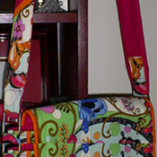 Colorful messenger bag straps tutorial on Craftster
