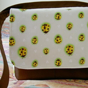 Cute messenger bag tutorial with heavy pics on page 3