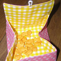 Reusable Oilcloth Snack Pouches Pattern and Tutorial