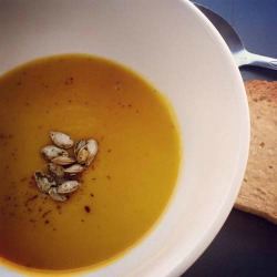 78868_02Sep15_2015_08_30_-_Buttercup_squash_and_pear_soup