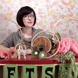 How to Make Embroidery Hoop Wreaths