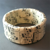Sheet music bangle