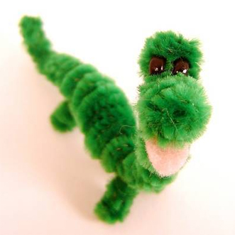 Pipe cleaner dinosaur